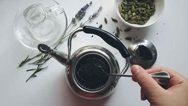 طرز تهیه چای هل