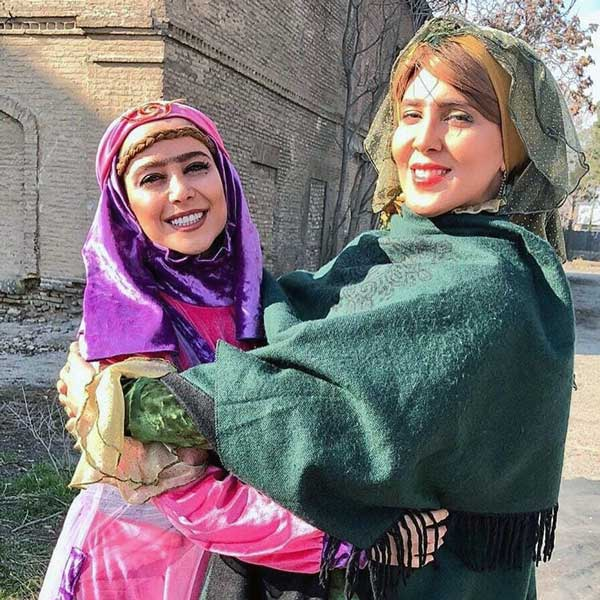 الناز حبیبی هشتگ خاله سوسکه